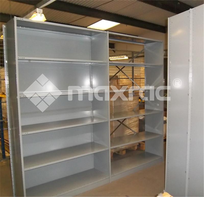 Tri shelving