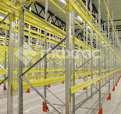 What are the main forms of warehouse storage?