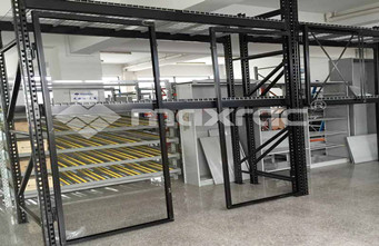 Why Everyone Loves Using Selective Pallet Racking?